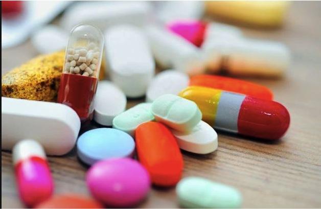 farmaci, dottore, medici, medicine, cure, terapia, indagini