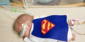 La storia della bambina nata a 21 settimane
